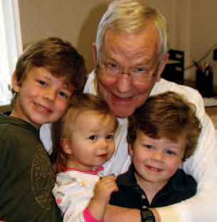 Legacy Society Member Don Rhodes and grandchildren